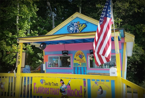 Hill's Sno Biz and Snack Shack